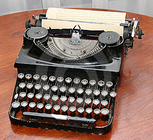 Obsolete Vintage Typewriter Royalty Free Stock Photo - Image: 5651595