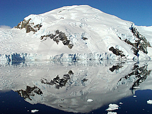 Antarctica's Reflection Royalty Free Stock Images - Image: 5655599