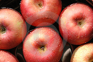 Red Apples Royalty Free Stock Images - Image: 5661089