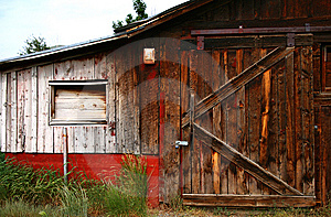 Old Barn Door 5 Royalty Free Stock Images - Image: 5729679