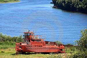 Old Red Tugboat Stock Images - Image: 5736464