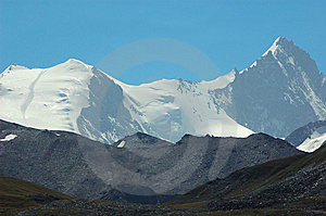 Weisshorn And Bishorn Royalty Free Stock Photo - Image: 5744285
