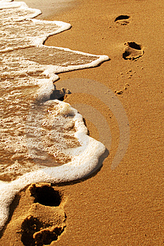 Footprints By The Sea Royalty Free Stock Images - Image: 5821999