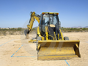 Giant Steam Shovel Digging Up Dirt - Horizontal Stock Images - Image: 5842644