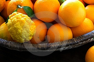 Oranges And Lemons In Basket Royalty Free Stock Photos - Image: 5868348