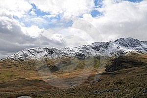 Mountain Royalty Free Stock Images - Image: 5885719