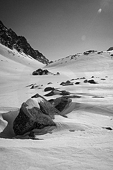 Rocks In Snow Royalty Free Stock Images - Image: 5935059