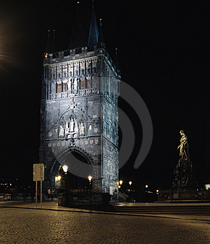 Tower Of Karlov Most In Old Praha Royalty Free Stock Images - Image: 5962189