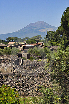 Pompei And Vesuvius Royalty Free Stock Images - Image: 5973439