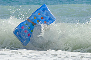Lilo And Big Wave Royalty Free Stock Images - Image: 5986019