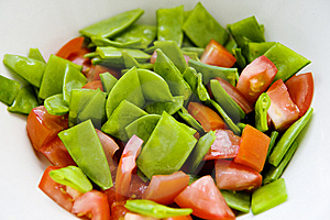 Sugar Snaps And Tomato Royalty Free Stock Photos - Image: 6037898