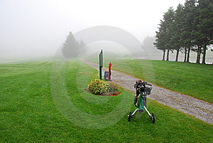Foggy Morning Golf Stock Images - Image: 6092394