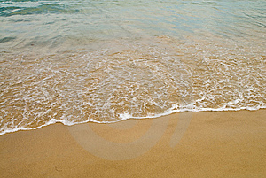 Breaking Wave 2 Royalty Free Stock Photography - Image: 6095907