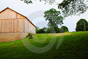 A New Barn Royalty Free Stock Images - Image: 6114879