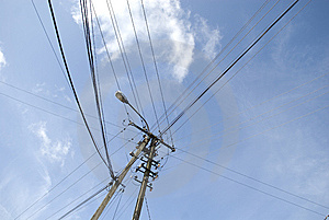 Electricity Pylon With Wire Crossing Royalty Free Stock Photo - Image: 6124395