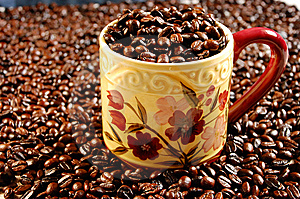 Coffee Mug Full Of Beans Royalty Free Stock Image - Image: 6157586