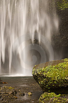 Peaceful Waterfall And Rocks Royalty Free Stock Images - Image: 6252279