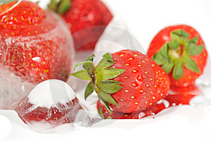 Frozen Strawberries 2 Royalty Free Stock Photography - Image: 6258057