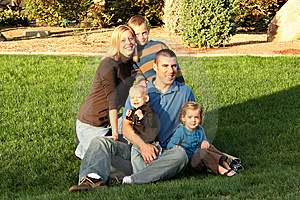 Family Picture At The Park Royalty Free Stock Images - Image: 6273839