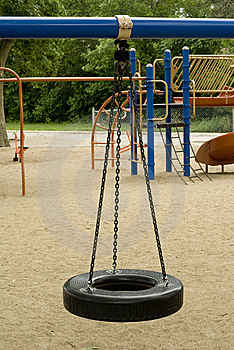 Tire Swing Royalty Free Stock Images - Image: 6330709