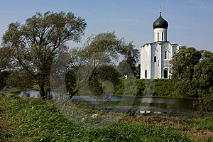 Russia: Church Of The Intercession On The Nerl Royalty Free Stock Image - Image: 6377326