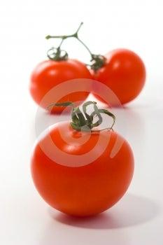 Trois Grandes Tomates Photographie stock libre de droits - Image: 642427