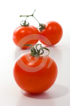 Drei Große Tomaten Lizenzfreie Stockfotografie - Bild: 642427