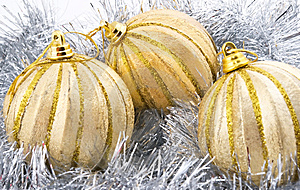 Três Bolas Douradas Do Natal Foto de Stock - Imagem: 6404020