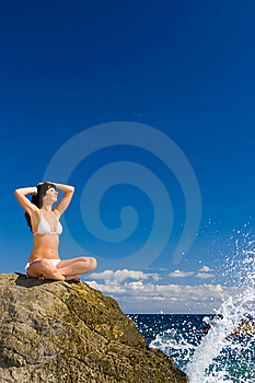 Woman Relaxation In The Beach Royalty Free Stock Photos - Image: 6482138