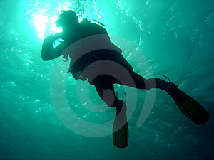 Diver dropping down Free Stock Image