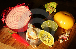 Red Onion, Hot Pepper, Garlic & Avocado Shell Stock Image - Image: 6510911