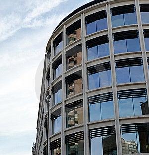 изогнутое здание 5 Стоковые Изображения RF - изображение: 6525739