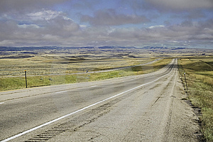 Montana Highway With Low Cloud Ceiling Royalty Free Stock Photos - Image: 6556638
