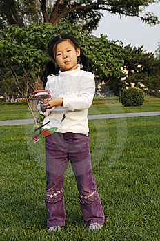 Chinese Girl Play Kite Royalty Free Stock Image - Image: 6600956