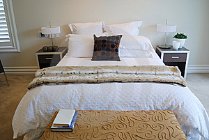 Contemporary Bedroom Royalty Free Stock Photo - Image: 6652235