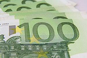 Macro De Billet De Banque De L'euro 100 Photos stock - Image: 6653173