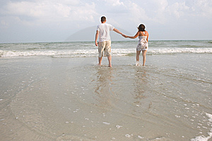 Couple Walking Royalty Free Stock Photos - Image: 6658238