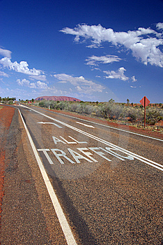 All Traffic To Uluru Road Markings Royalty Free Stock Photo - Image: 6695055