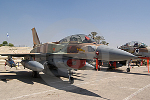 F-16 Fighter Jet Royalty Free Stock Photography - Image: 6714587