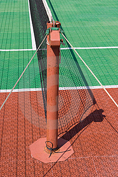 Tennis Court With A Net Royalty Free Stock Photography - Image: 6722677