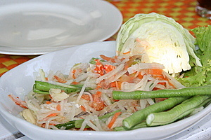 Tasty Thai Papaya Salad Royalty Free Stock Images - Image: 6733739