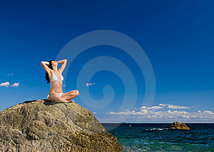 Woman Relaxation In The Beach Royalty Free Stock Photos - Image: 6736478