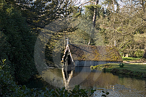 Scotney Castle Boathouse Stock Photos - Image: 6793153