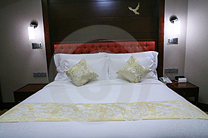 King Size Bed Stock Photos - Image: 6800483