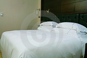 King Size Bed Royalty Free Stock Photo - Image: 6800525