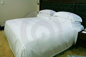 King Size Bed Royalty Free Stock Image - Image: 6800526