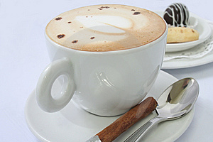 Cappuccino With Chinamon Stick Royalty Free Stock Photo - Image: 6805355