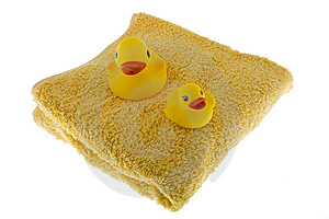 Rubber Duck Sits On Towel Royalty Free Stock Images - Image: 6808429