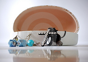 An Open Jewelry Box Royalty Free Stock Photography - Image: 6812837