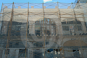 Crumbling Havana Building Stock Image - Image: 6819351